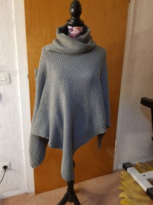 Aniston Poncho grey