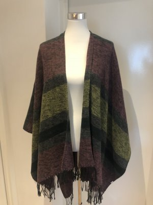 Poncho/Cape aus Wolle