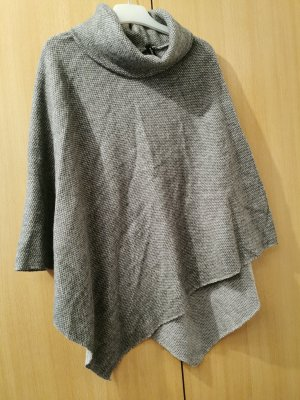 Madonna Poncho gris