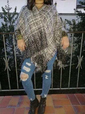 Poncho en tricot gris-gris foncé