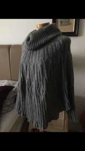 Poncho grau Strickpullover S M winter herbst blogger Rollkragen