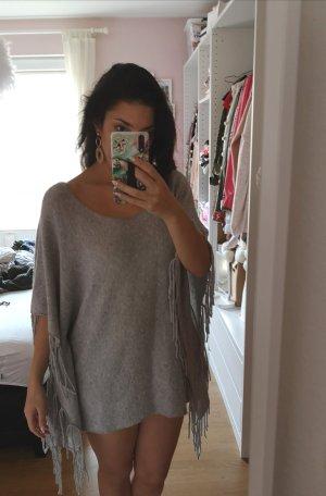 Poncho Kleid Pullover Fransen grau blogger hipster boho
