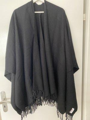 Unb Knitted Poncho black