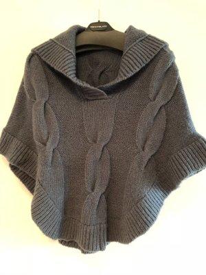 Marella Poncho en tricot bleu laine