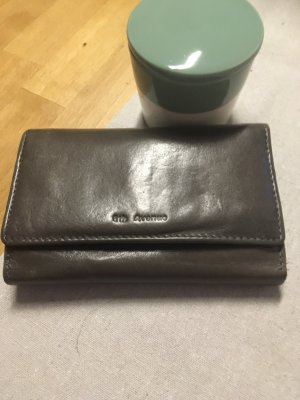 5th Avenue Wallet taupe