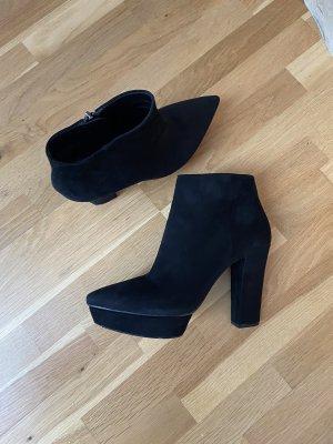 Prada Ankle Boots Keilabsatz schwarz 39 1/5
