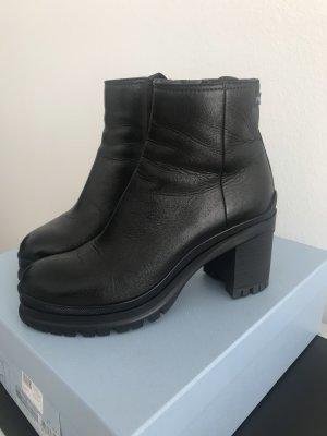 Prada Boots aktuelles Modell schwarz 37,5 Leder wie neu