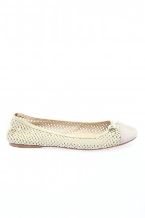 Prada Bailarinas plegables blanco-lila look casual