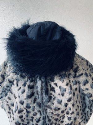 Prada Cappello in pelliccia nero
