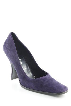 Prada High Heels dunkelviolett extravaganter Stil