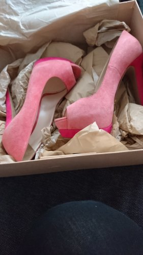 Prada high heels in pink