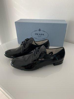 Prada Sznurowane buty czarny