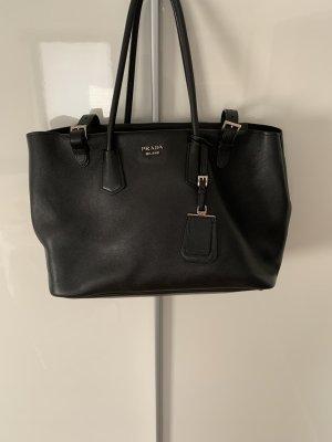 Prada Lederhandtasche, schwarz