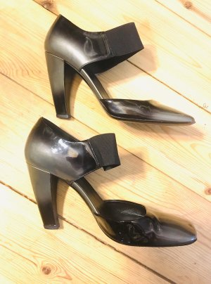Prada Tacones Mary Jane negro-color plata