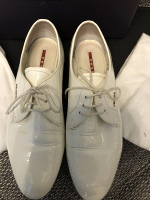 Prada Wingtip Shoes white
