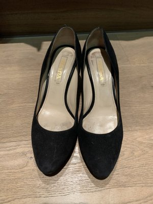Prada Zapatos de punta negro