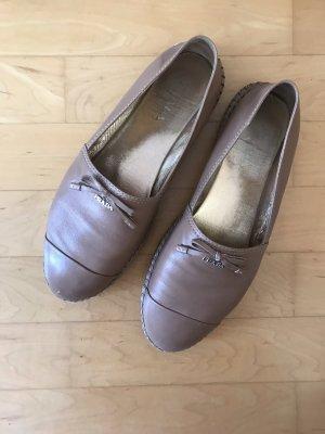 Prada Schuhe in Beige