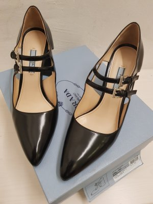 Prada Zapatos de cuña negro