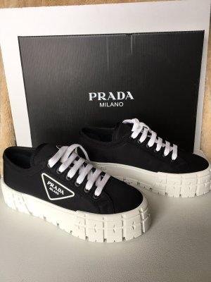 Prada  Sneaker 38,5 Neu überall ausverkauft