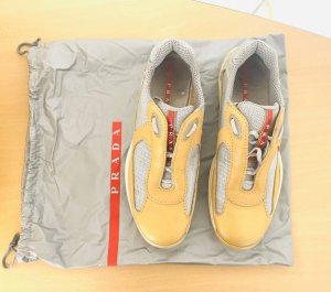 Prada Sneakers met veters beige-lichtgrijs