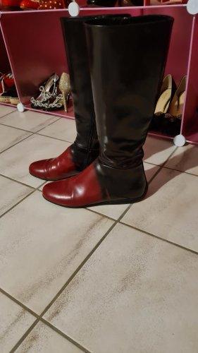 Prada Botas de invierno rojo amarronado