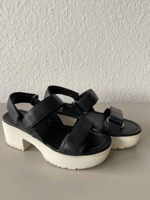 Prada Outdoor sandalen zwart Leer