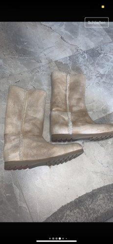 Prada Futrzane buty w kolorze białej wełny-kremowy