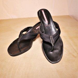 Prada Sandalias de tacón con talón descubierto negro Cuero