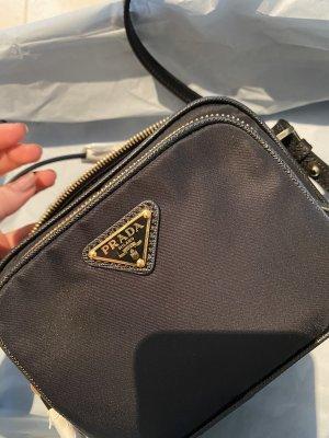 Prada Zip Tasche NEU, mit Etikett