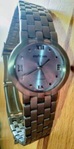 Zegarek z metalowym paskiem szary