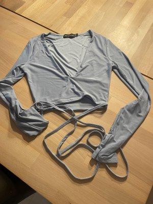 PrettyLittleThing Camisa cruzada azul celeste