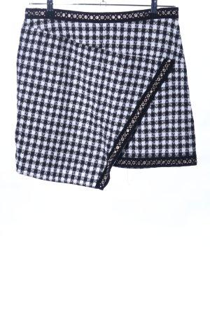 PrettyLittleThing Plaid Skirt black-white allover print elegant