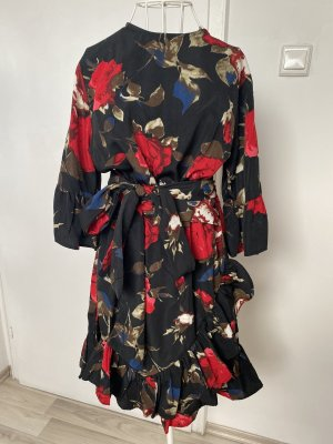 Prettylittlething Kleid 40