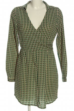 PrettyLittleThing Langarmkleid grafisches Muster Casual-Look