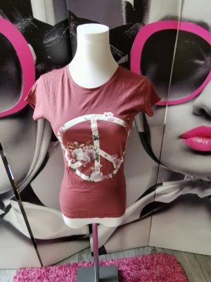 PRIMARK ♥ Hippes T Shirt, bordeauxrot, Peace Print, bei Gr. XS 34 getragen