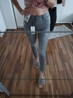 Primark Ripped Jeans Hellgrau