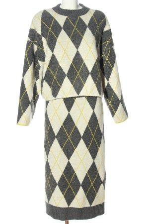 Pringle of Scotland x H&M Twin Set tipo suéter estampado a cuadros look casual
