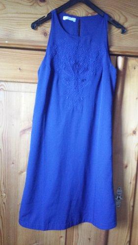 Promod, blaues Sommerkleid, Stickerei im Vorderteil, Gr. 32