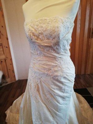 Pronovias Suknia ślubna kremowy
