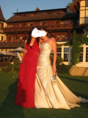 Pronovias Brautkleid in Champagner