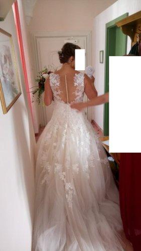 """Pronovias """"Olwen"""" Hochzeitskleid mit Tattoo-Spitze"""