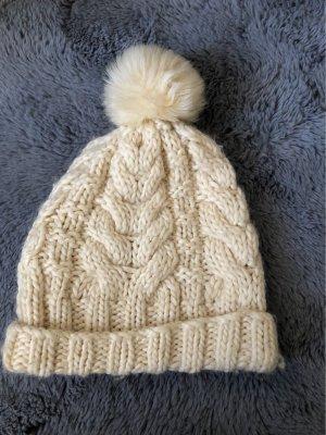 Wełniana czapka biały