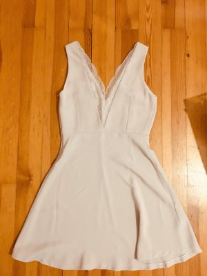 Puderrosa Kleid