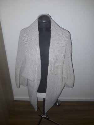 pull and bear cardigan gr. m