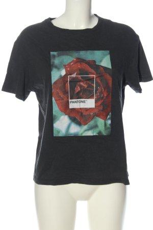 Pull & Bear Basic-Shirt schwarz-rot Blumenmuster Casual-Look