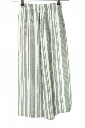 Pull & Bear Culottes white-black allover print casual look