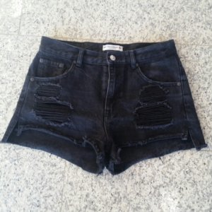 Pull&Bear Destroyed Jeansshorts Highwaist Gothic Punk