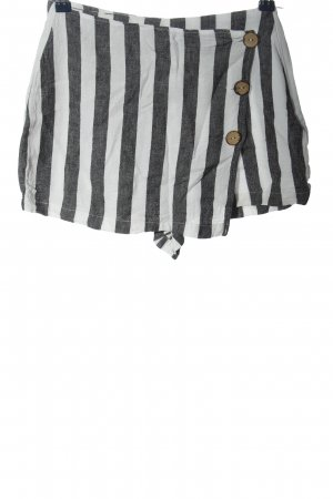 Pull & Bear Hot Pants weiß-schwarz Allover-Druck Casual-Look
