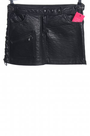 Pull & Bear Kunstlederrock schwarz extravaganter Stil
