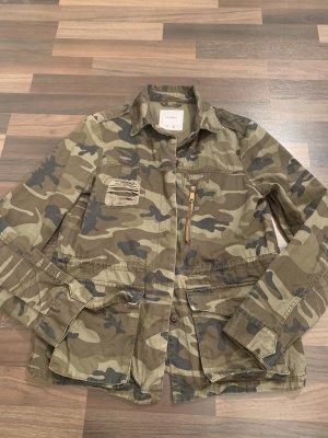 Pull&Bear Militärsjacke